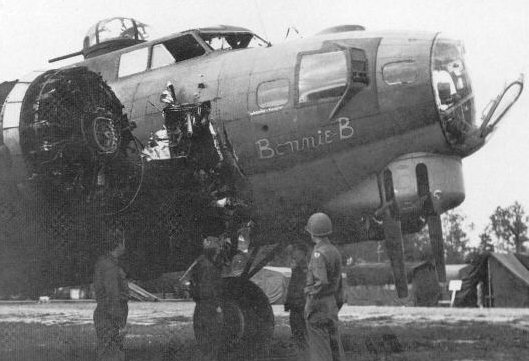 17 Images of Damaged B17 Bombers That Miraculously Made